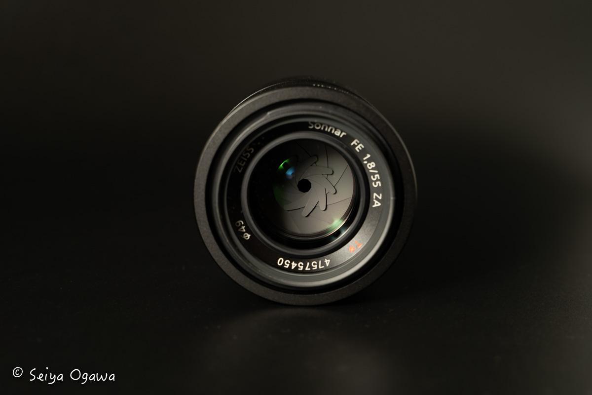 TT560の作例。黒ホリでレンズを撮影